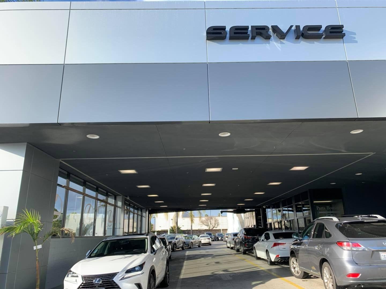 Lexus Service In 2020 Lexus Dealership Lexus Sedan Lexus