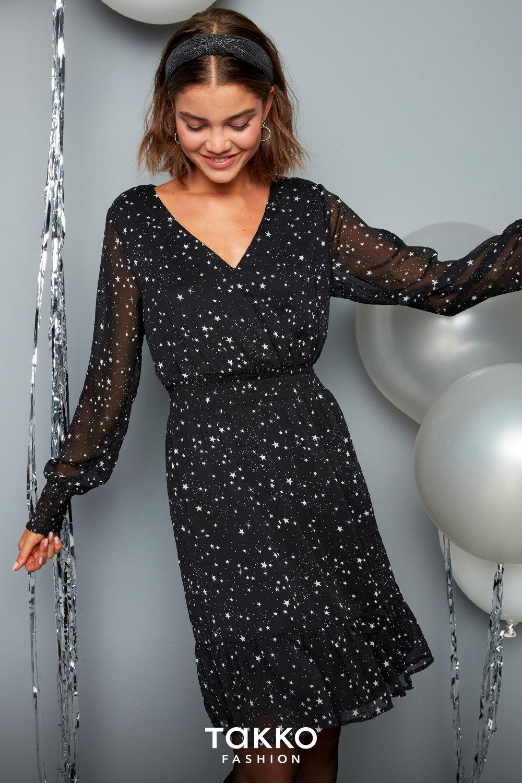 Sterne Das Trendmuster Fur Damen Minikleid Und Andere Festliche Looks Fur Die Feiertage Stylen Kleider Damen Modestil Kleider