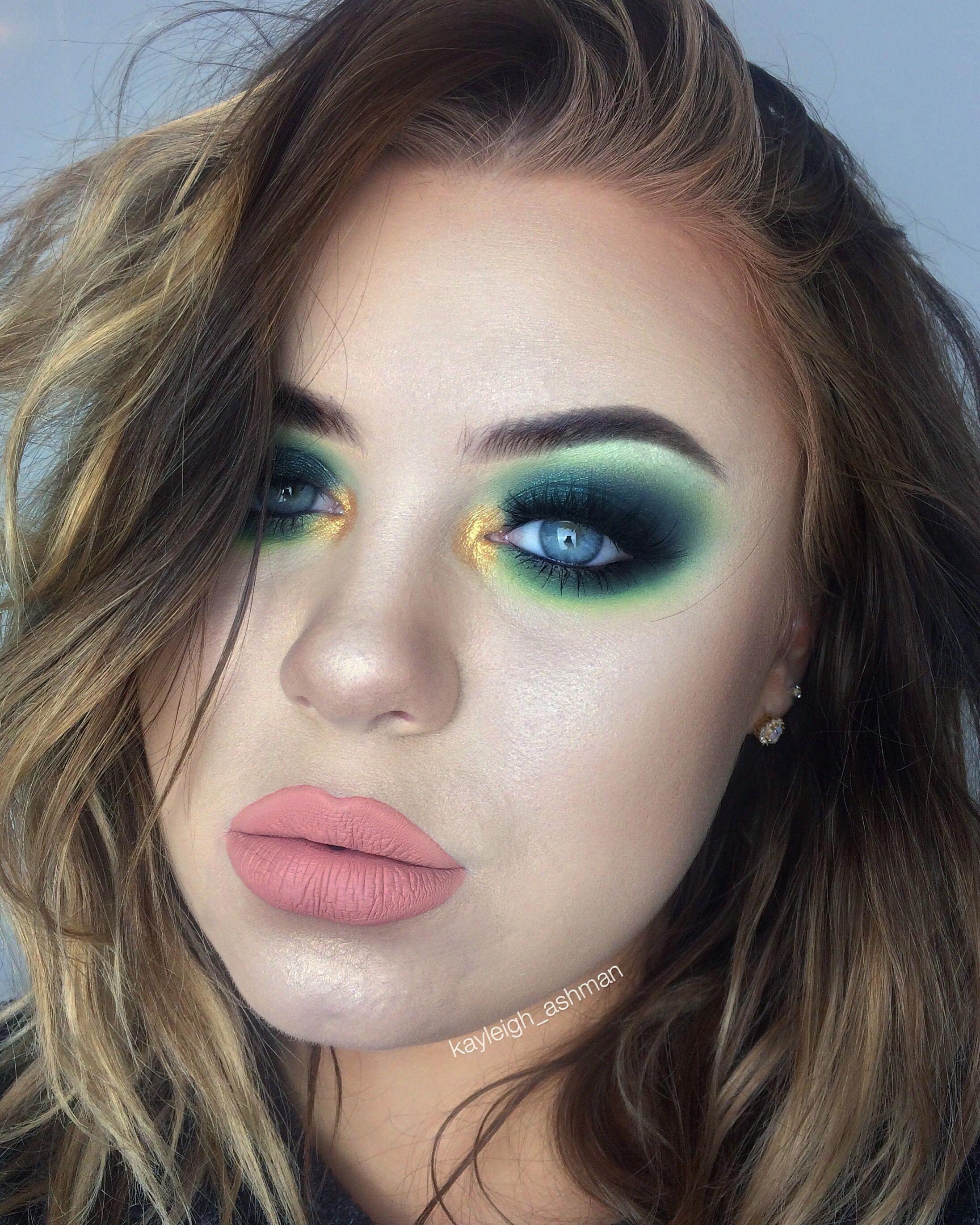 Stunning brown eye makeup browneyemakeup Eye makeup