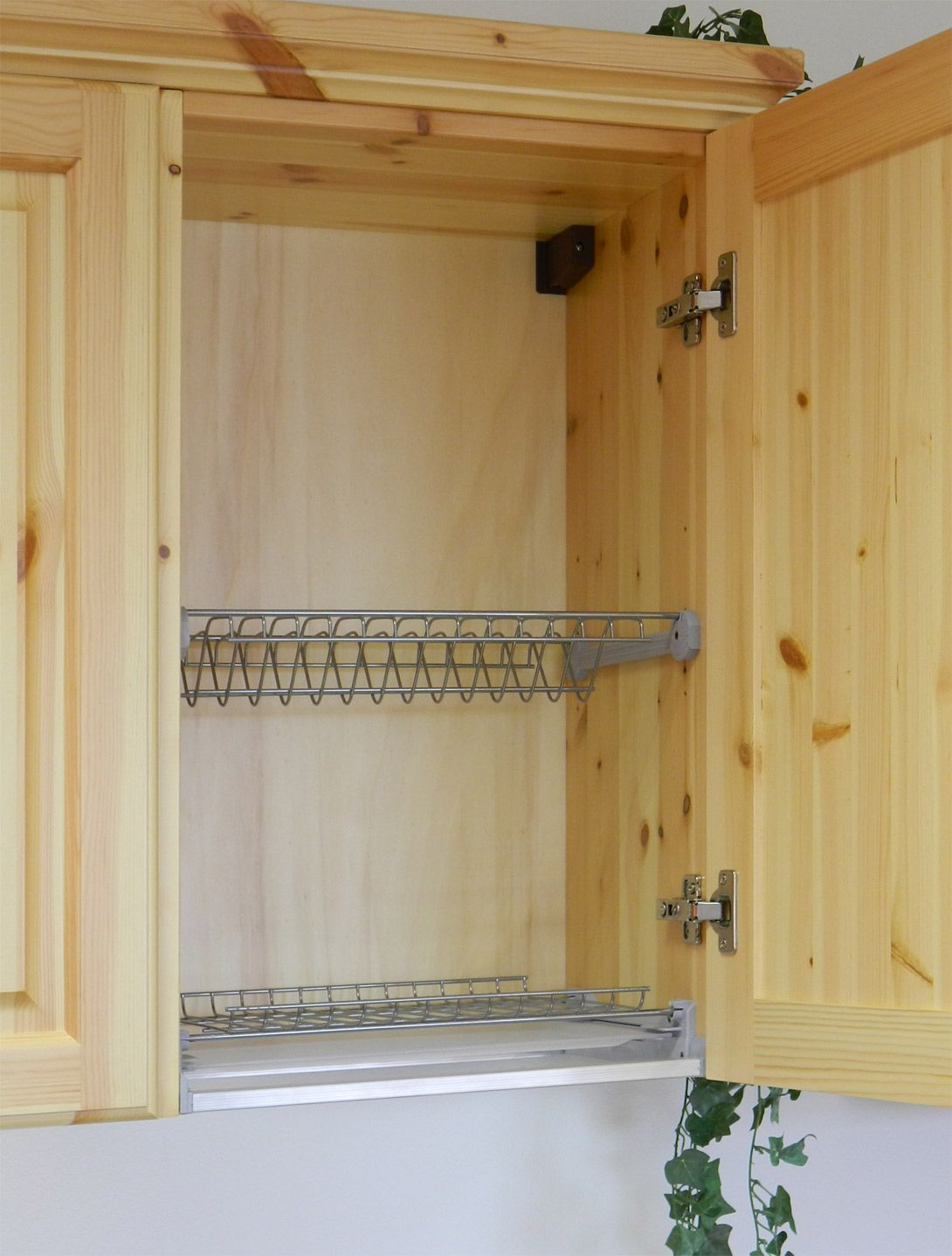 Cucina rustica in legno massello di pino di Svezia. www ...