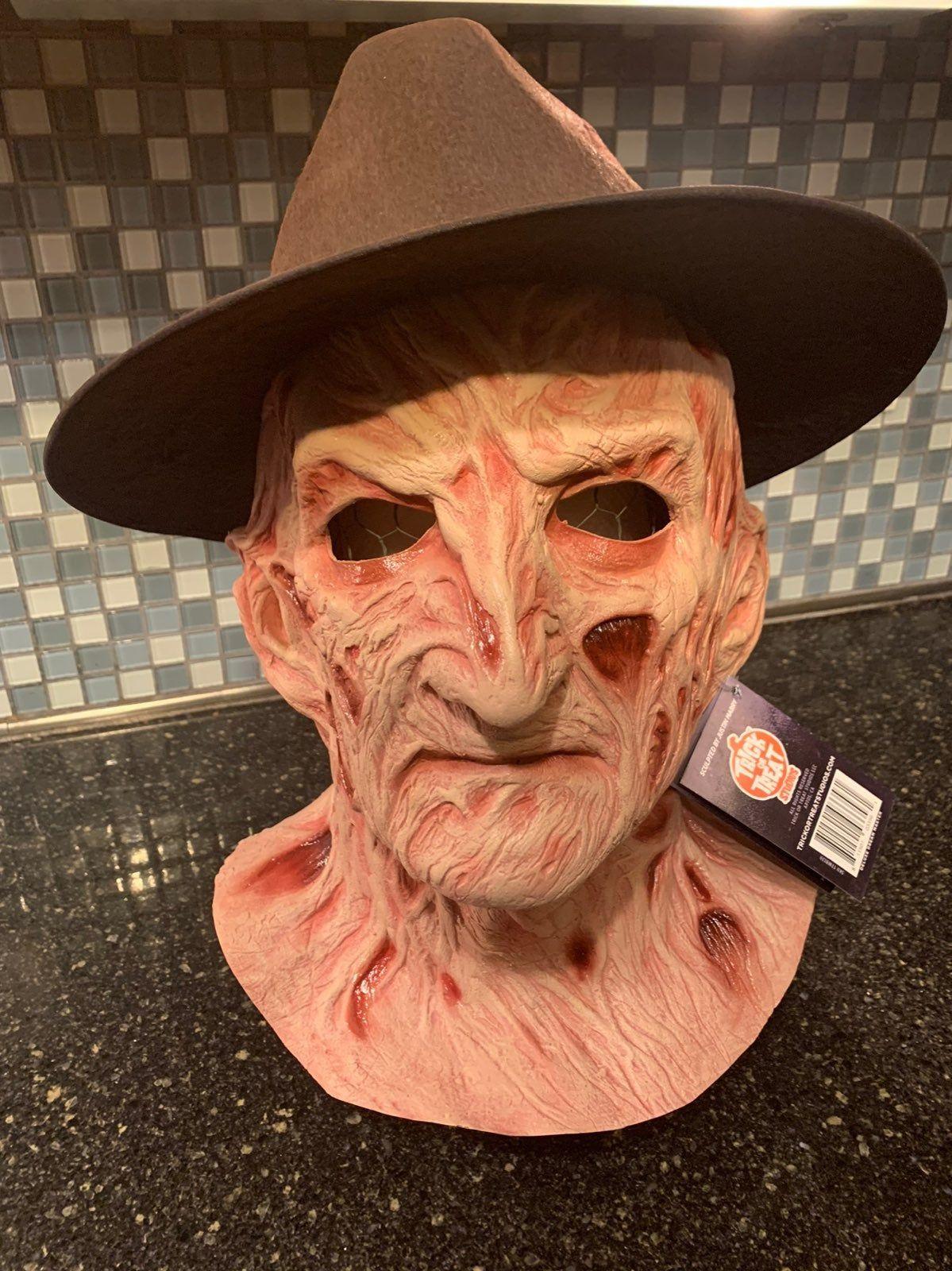 Deluxe Freddy Kruegar Mask With Fedora Mercari Trick Or Treat Studios Halloween Masks Freddy Krueger
