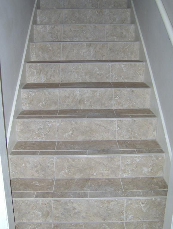 Best Not Sure How I Feel About Tiled Stairs But I Know I H*T* 400 x 300