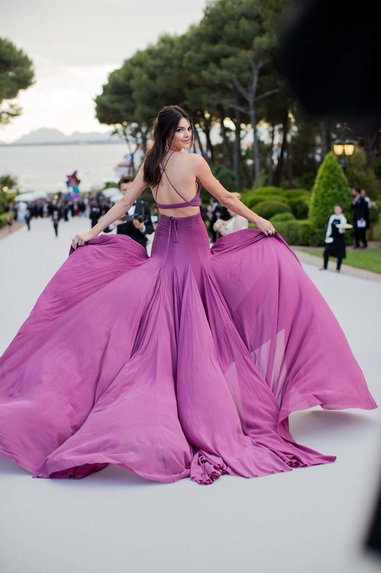 Famoso Vestidos De Fiesta Kylie Jenner Adorno - Colección del ...