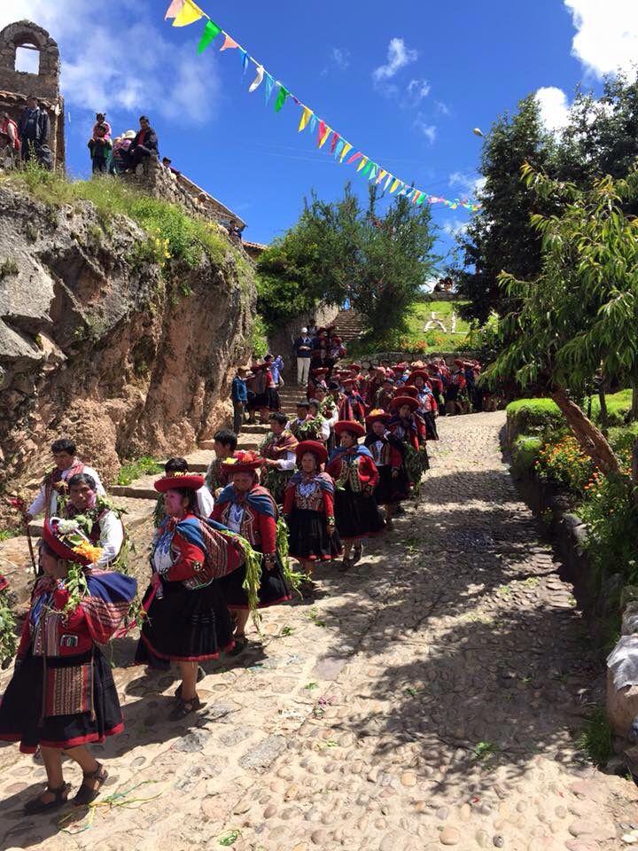 En Chinchero, Cuzco...comienzan a celebrar carnavales-Perú y Punto Facebook