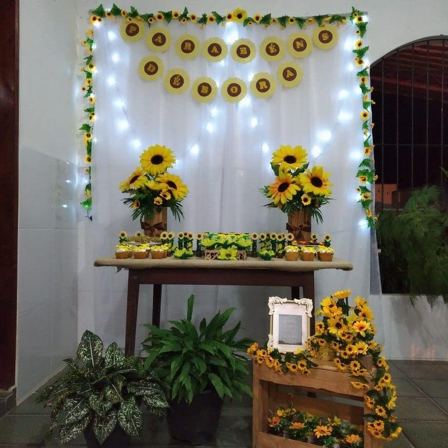 Pin de Annie Wright em amani bday bees Festa de aniversario decoracao, Festas de aniversário  -> Decoração De Festa De Aniversario Girassol