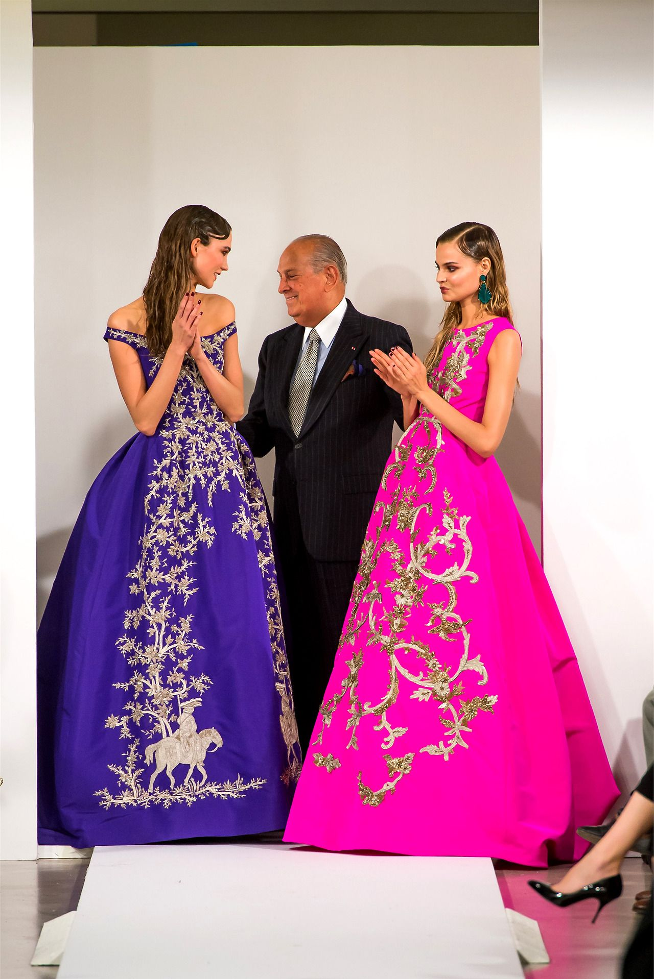 Karlie Kloss, Oscar de la Renta, and Magdalena Frackowiak at the ...