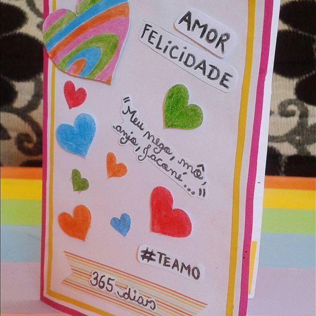 Olá amooores, esse é o cartão de 1 ano de namoro que eu fiz para o meu amor. Foi meu primeiro cartão scrap :) . . . . . #cartão #inlove #word  #scrap #criatividade #valentine #mylove #biasanttosz #mimo #criar #arte #arteemfoco #reutiliza #customização #love #romantic #romanticos #namoradacriativa #namorados #heart  #amor #corações #happybirthday #card #umanodenamoro #surpresa #surprise #scraping #EuQueFiz #diy