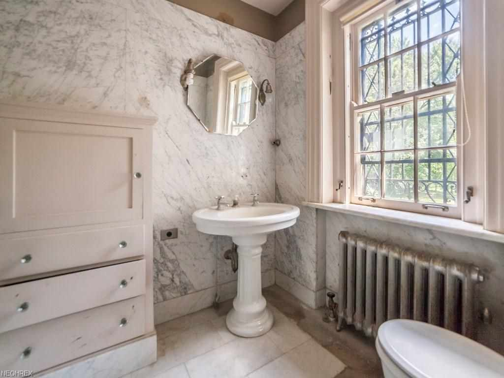 Bathroom Remodeling Cleveland Ohio Bathroom Remodel Splurge Vs - Bathroom remodeling cleveland ohio