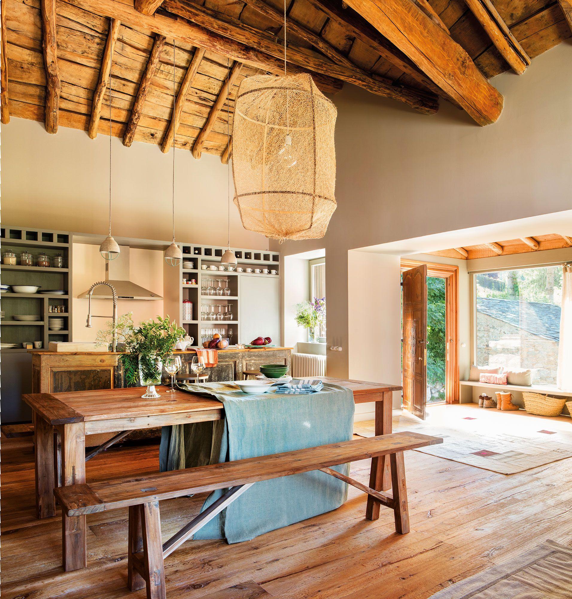Comedor abierto a la cocina en casa r stica 00443221 - Diseno casas rusticas ...