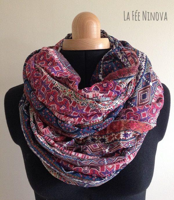 Ethnique   style. Foulard bleu, violet, blanc. Losange, point, trait ... 0f95df503394
