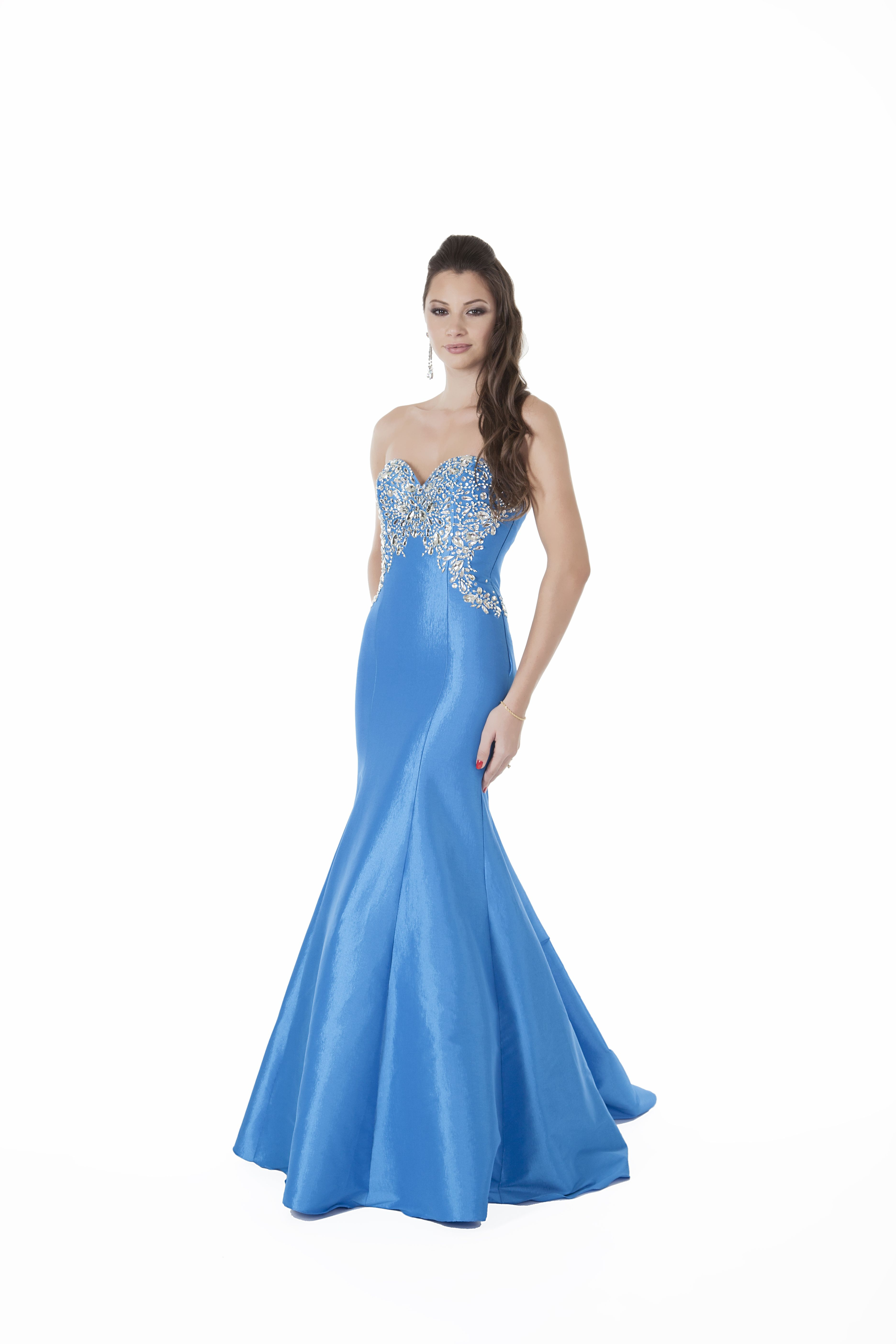 1567U - This slinky Prom dress will give any party goer an air of ...