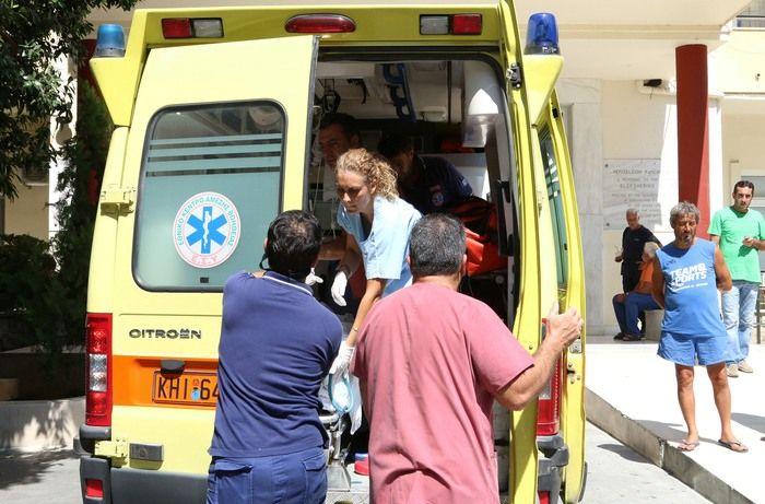 Ο τραυματίας σύμφωνα πληροφορίες είναι σε κρίσιμη κατάσταση και διακομίστηκε στο       Πανεπιστημιακό Νοσοκομείο Πατρών