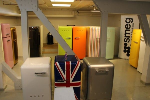 Smeg Kühlschrank Köln : Smeg kühlschrank fab orange jetzt online kaufen fab ro
