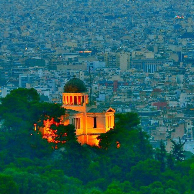Esta bela foto de Atenas, Grécia foi capturada pelo nosso leitor @bader_alawadhi do Instagram. Obrigado @bader_alawadhi  por compartilhar esta maravilha com todos os leitores do @megaroteirosviagens.  Thank you @bader_alawadhi  for this terrific photo!  #grecia #atenas #europa #megaroteiros #viagemtop #viagem #viajarétudodebom