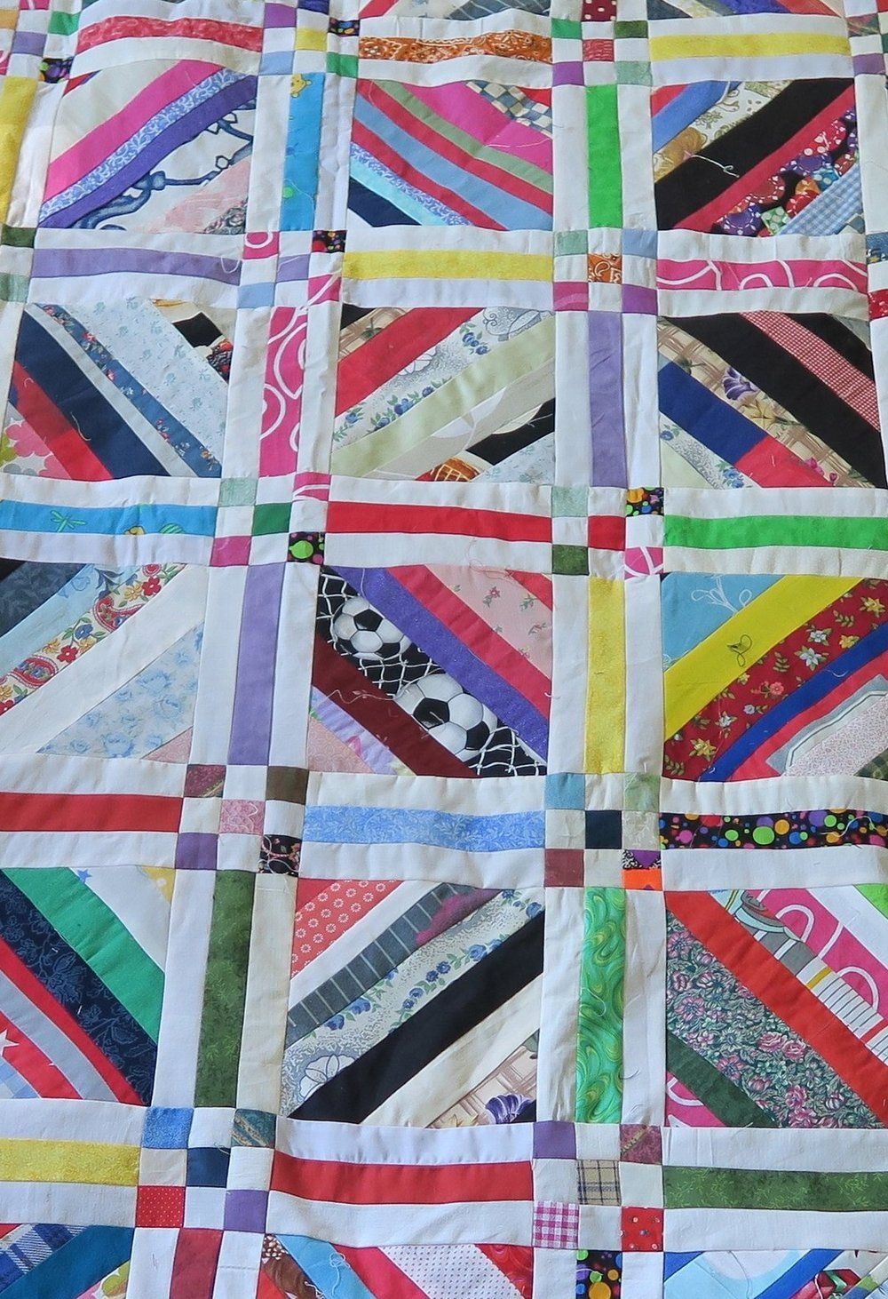 Strings Quilt - continued. Modern Quilting. Scrappy Quilts ... : modern quilts blog - Adamdwight.com