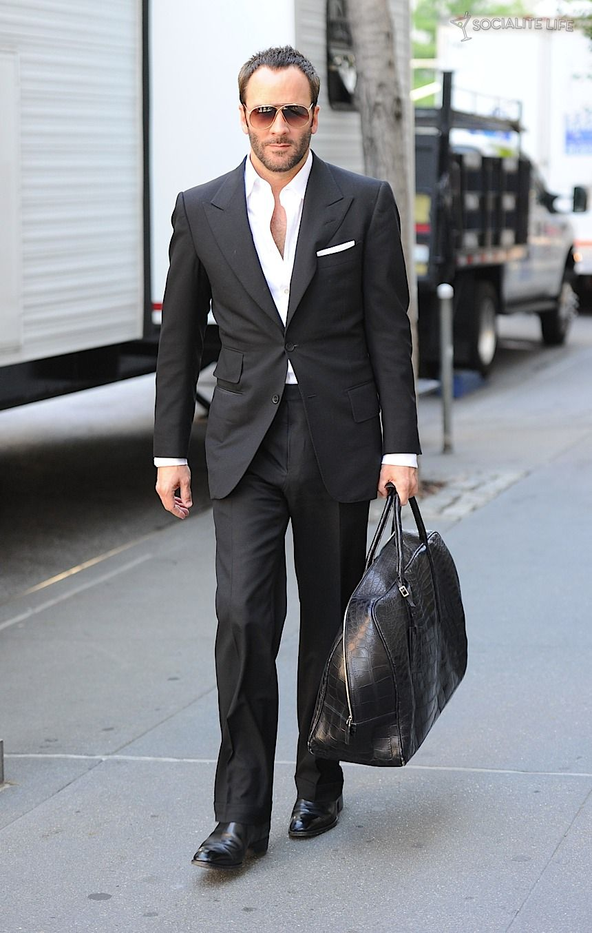 Tom Ford. This cat is insane at the drawing table.   Mi amor Tom ... 67ee715a38