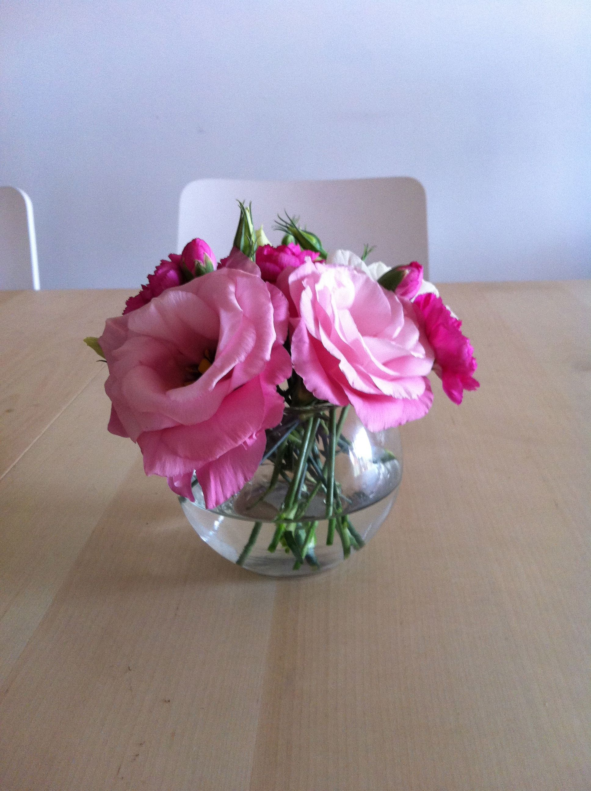 Flower Practice In Small Round Vase View 1 Wedding Table Settings Round Vase Floral Arrangements