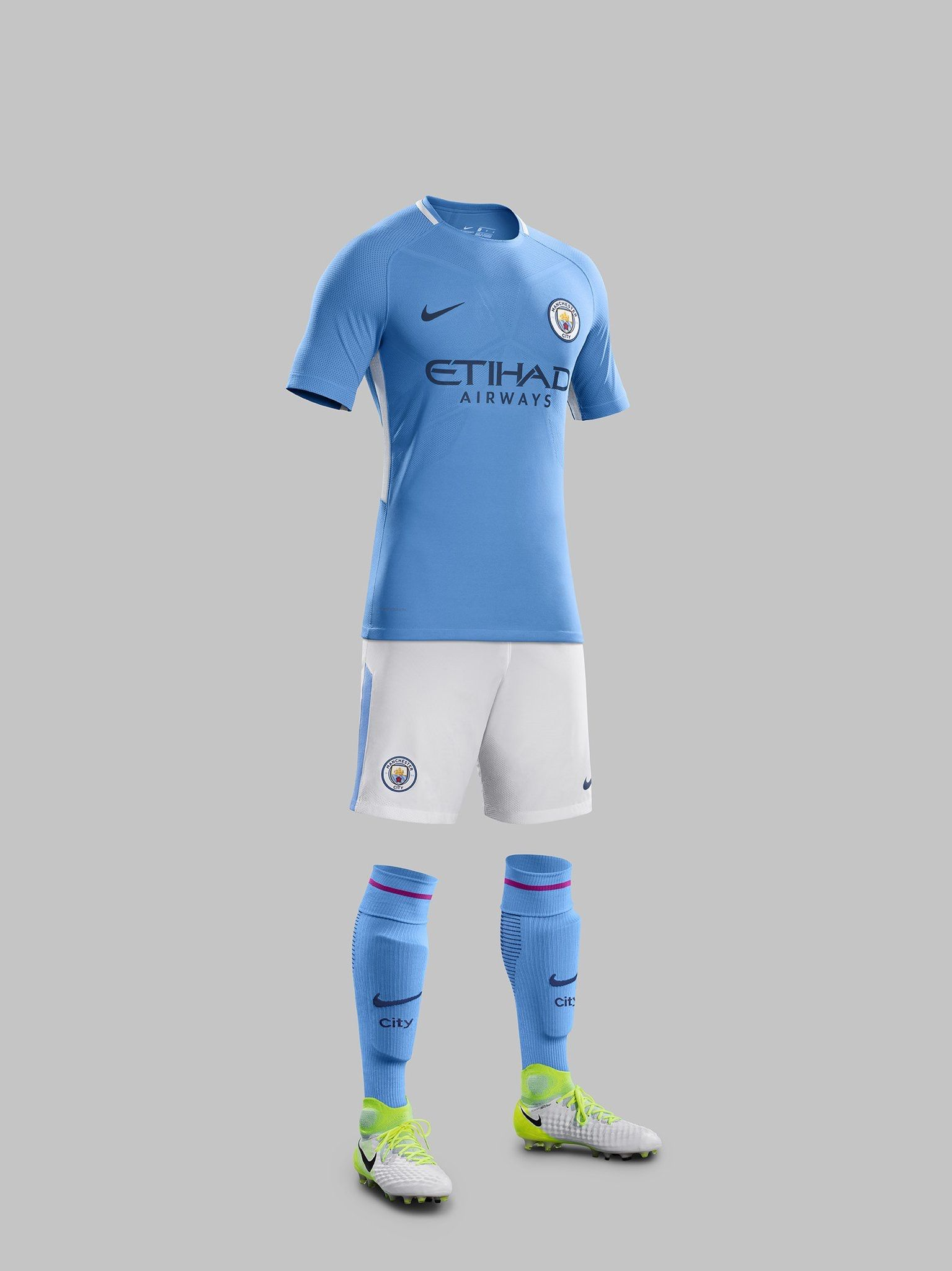 Manchester City 2017/2018 Home Kit (con imágenes