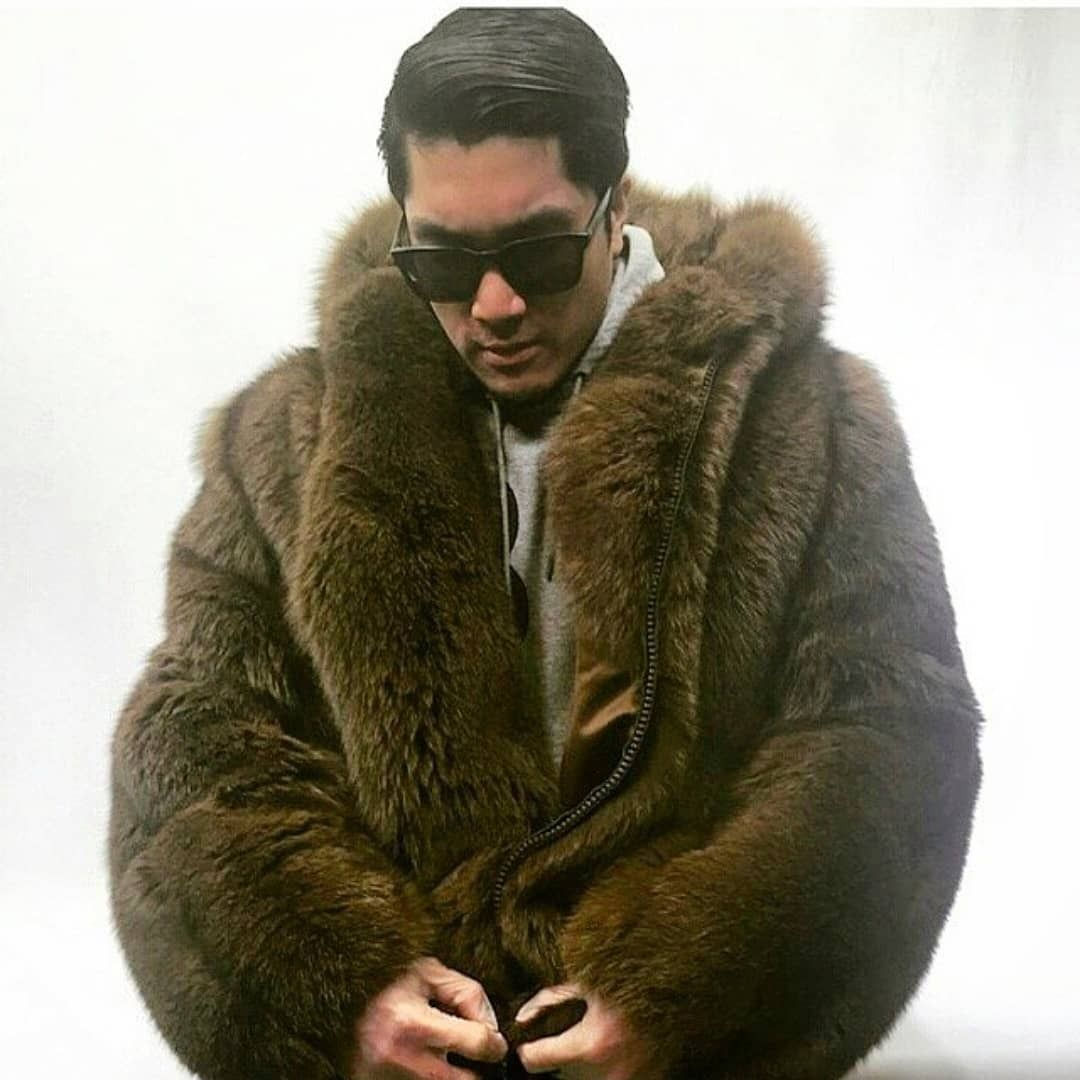 Hard To Find Double Sided Fur Coats Need One Fur Coat Fur Mens Fur [ 1080 x 1080 Pixel ]