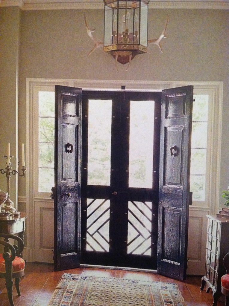 Double Doors With Chippendale Enhanced Screen Side