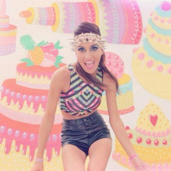 L'ex-lofteuse Mihaela Coman lance Let Me See You Dance | HollywoodPQ.com