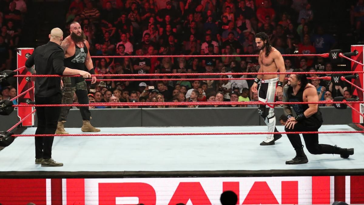 Photos Ten Superstars Collide With Wild Battle Royal For The Right To Challenge Lesnar Wwe Roman Reigns Battle Royal Battle