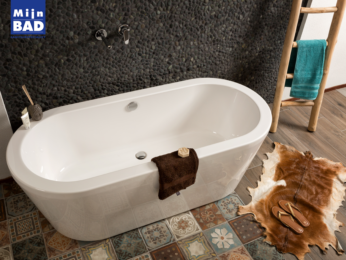 Badkamer Hout Natuursteen : Natuurlijke ruwe materialen zoals natuursteen hout look en