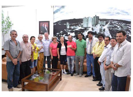 Prefeitura e Câmara repassam R$ 440 mil ao Inpar http://www.passosmgonline.com/index.php/2014-01-22-23-07-47/regiao/4318-prefeitura-e-camara-repassam-r-440-mil-ao-inpar