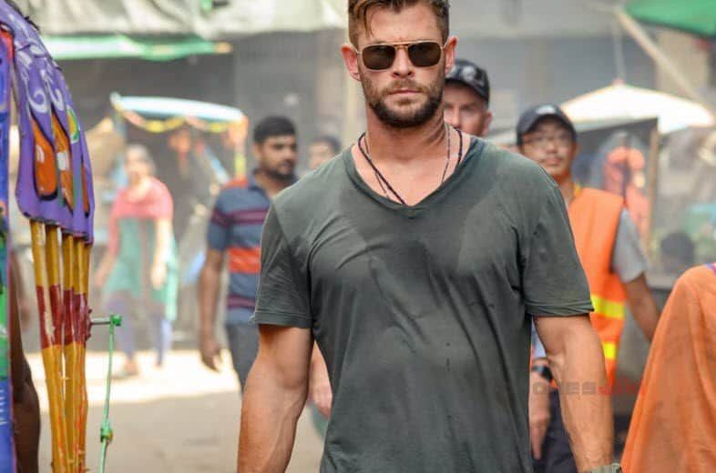 Chris Hemsworth Randeep Hooda Starrer Extraction May Stream On Netflix In April April Chris Extraction In 2020 Stranger Things Season Chris Hemsworth Hemsworth