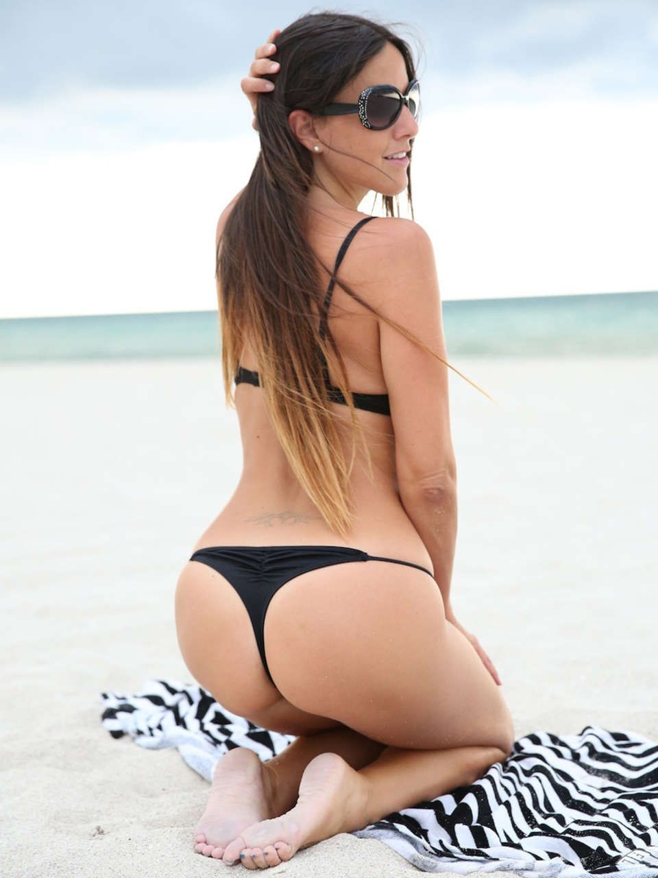 Young Claudia Romani nude photos 2019