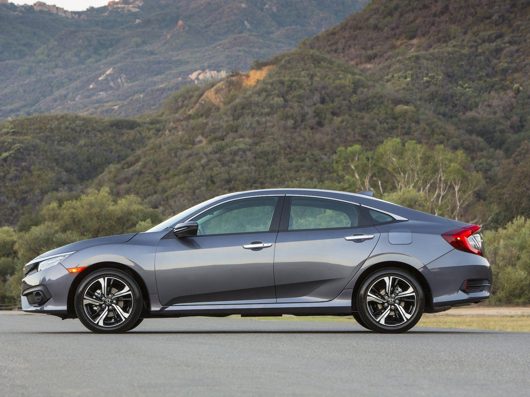 This Honda Is The Most Affordable High Tech Car You Can Buy 2016 Honda Civic Sedan Honda Civic Sedan Civic Sedan