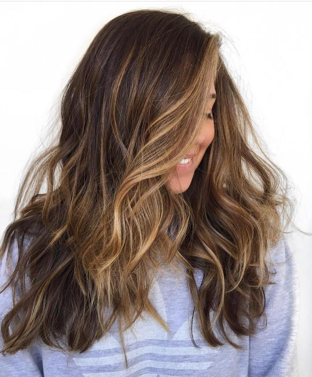 50 Beautiful Hairstyles with Caramel Highlights (With