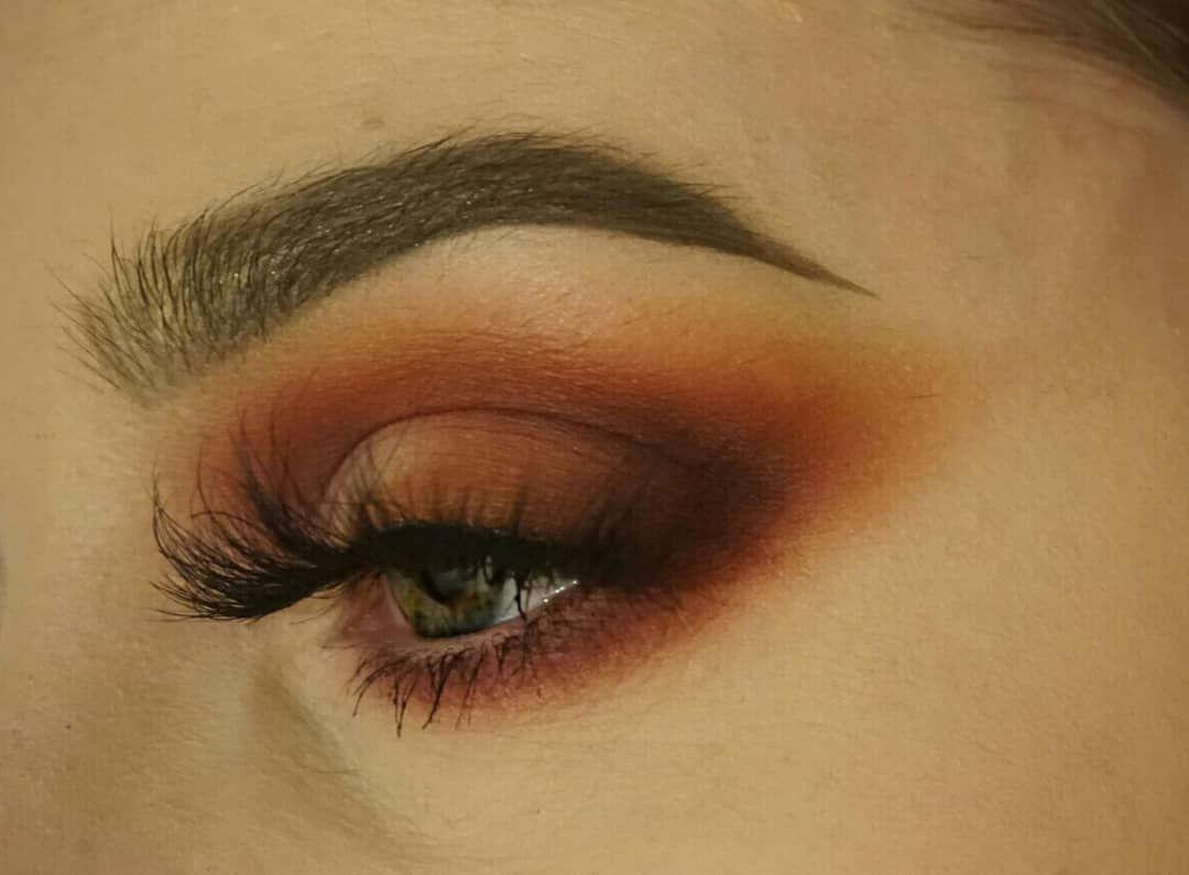 A Smokey Eye Look Using The New Makeuprevolution Revolution Pro Wardah Longlasting Lipstick 17 Passionate Red 23 G Regeneration Palette Trends Mischief
