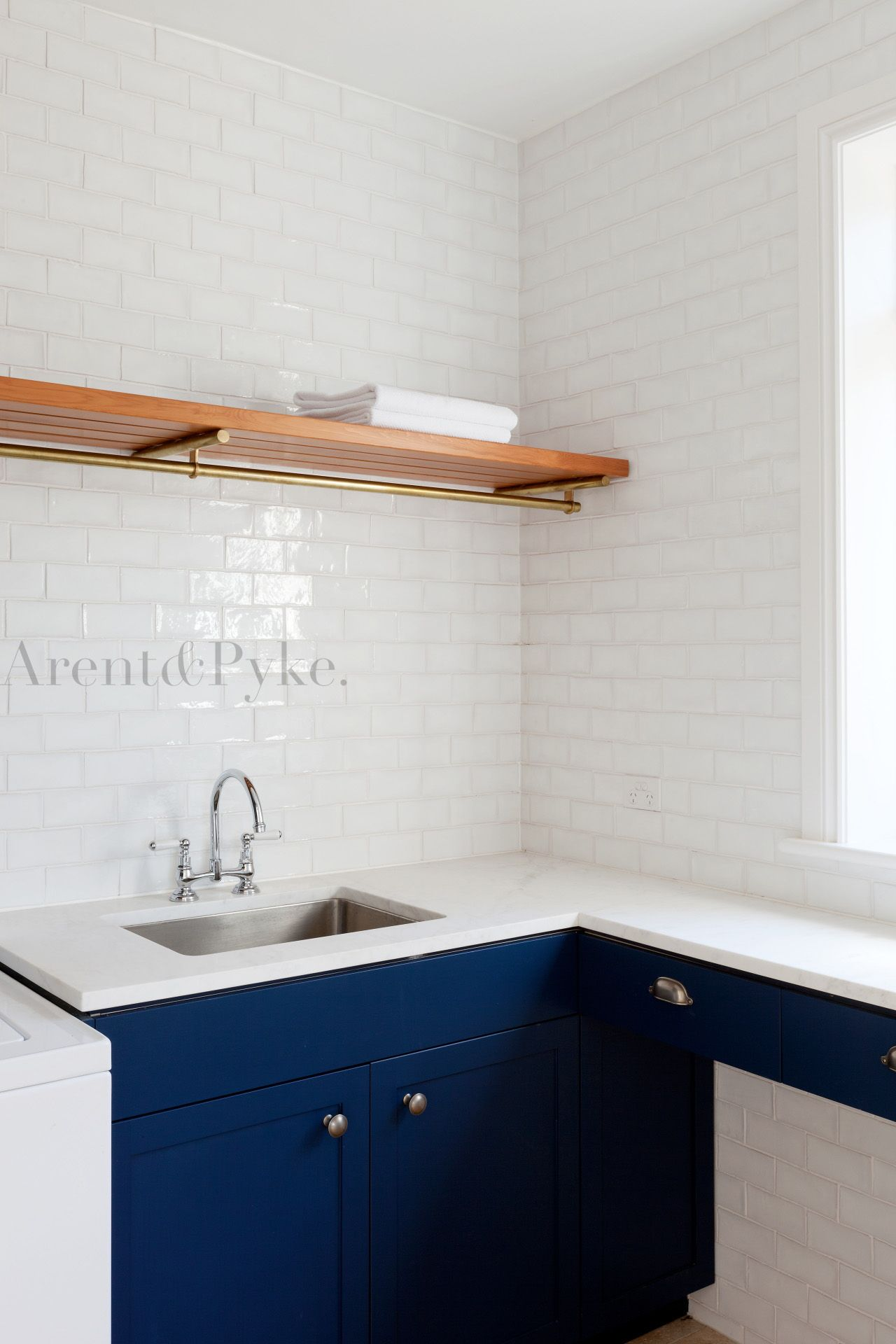tile, counter, cabinet color, exactly what I\'m thinking for the ...