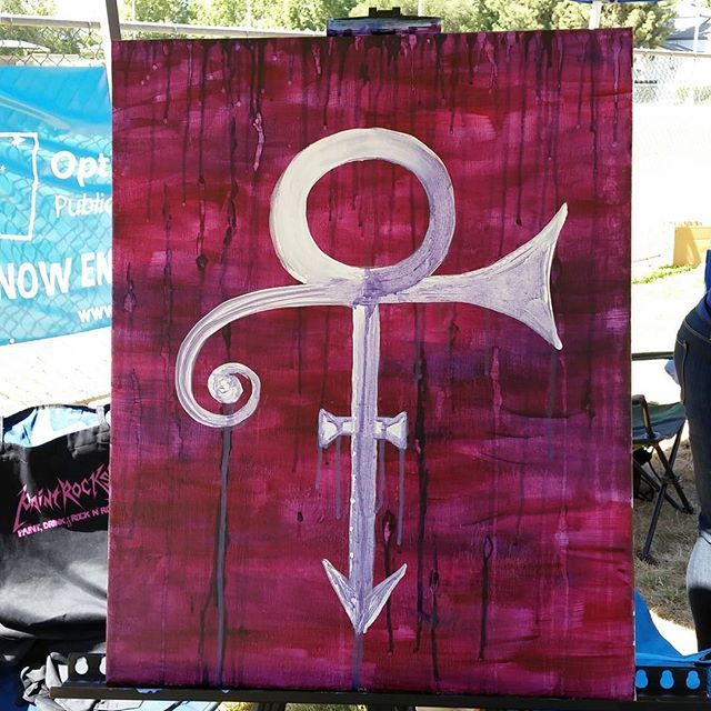 On the fly... and I luv it! # purple rain # prince #paint #burbankonparade #paintnight #paintevents #paintandwineevents #paintandsip #painting #paintandwine #paintanddrink #socialpainting #paintrocks #paintrocksla #paintdrinkandrocknroll www.paintrocksla.com