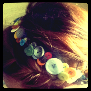 button head band. so totally making this!