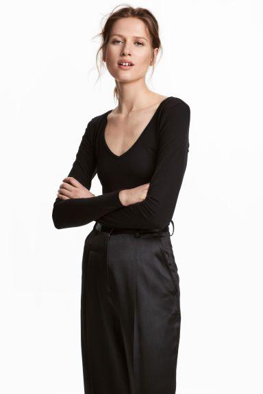 Long-sleeved Jersey Top Model