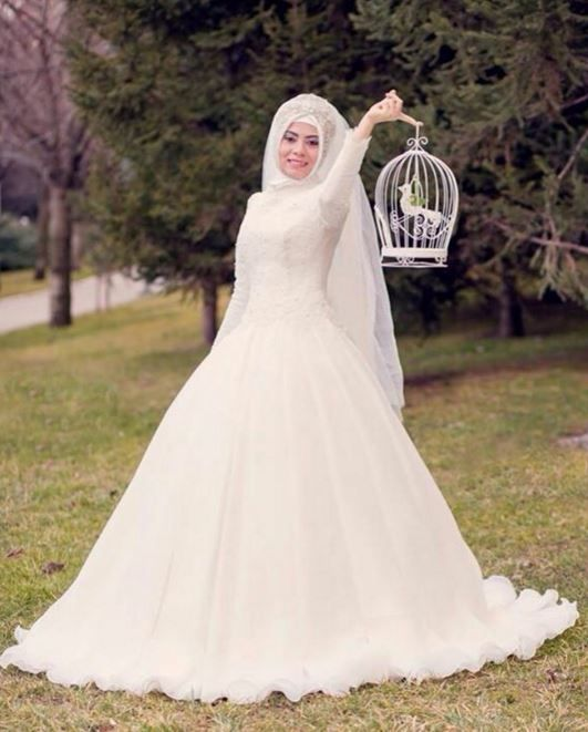 e30f5128363b7 Kapalı Sade Gelinlik Modelleri | Muslim bride; Nikah | Wedding ...