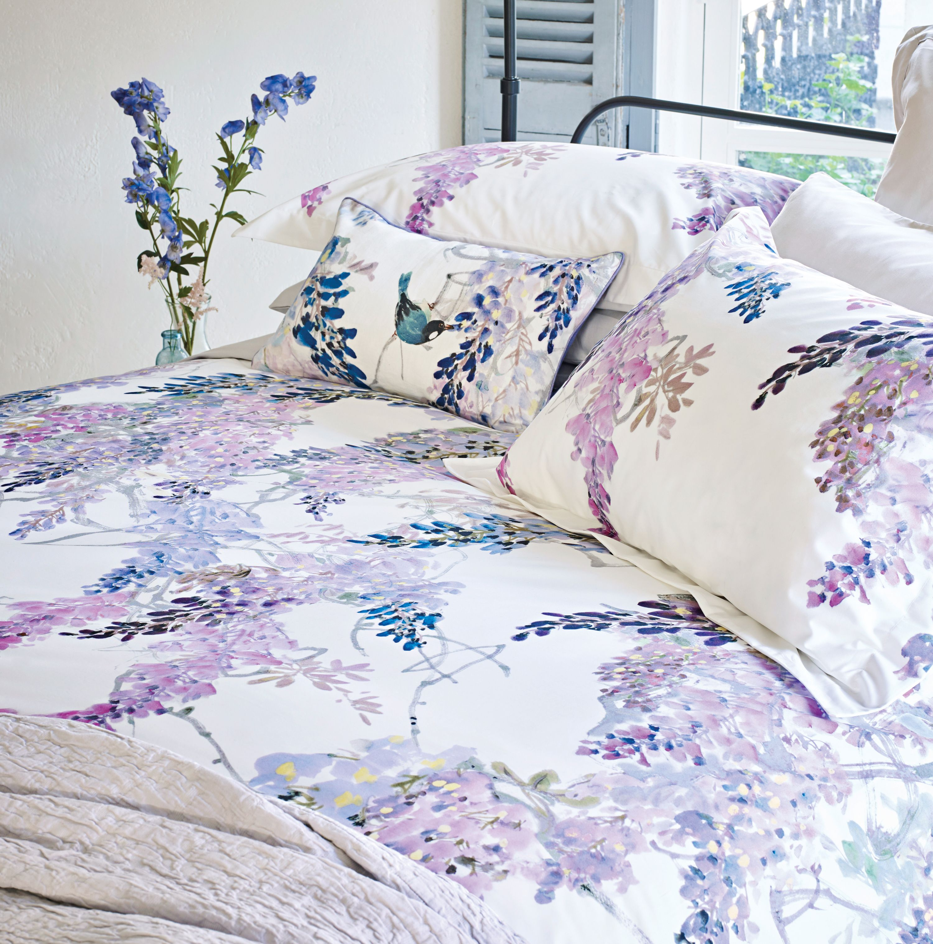 Sanderson Wisteria Falls Head Of Bed With The Sanderson Amethyst Manderley Matelasse Throw And And Printed Floral T Luxury Duvet Covers Home Bedroom Design Bed