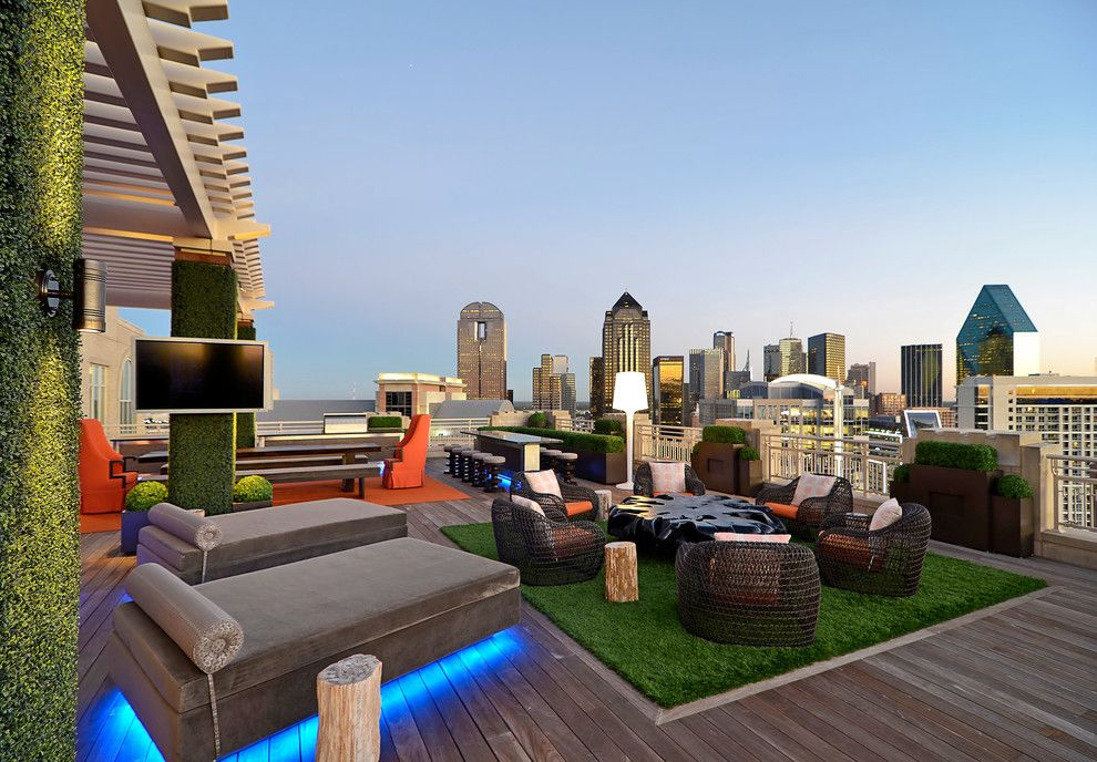 Cool Decorating Ideas With Artificial Fake Grass Rooftop Terrace Design Rooftop Design Modern Patio Design