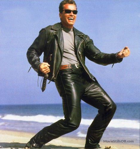 Terminator 2: Judgment Day - Behind the scenes photo of Arnold Schwarzenegger