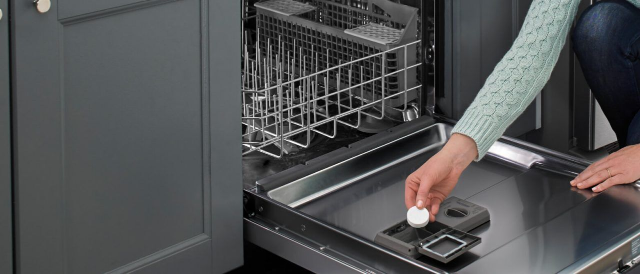 How To Clean A Dishwasher In 3 Easy Steps Whirlpool Clean Dishwasher Affresh Dishwasher Cleaner Cleaning Your Dishwasher