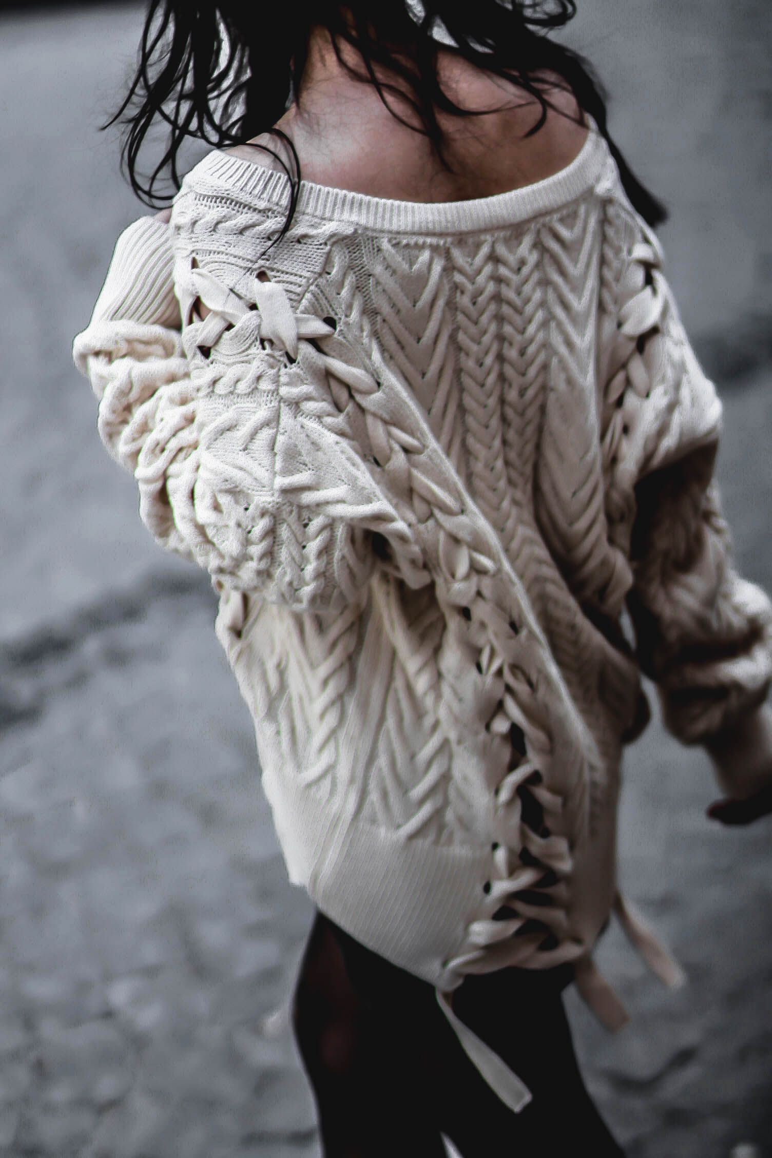 LACE UP SWEATER