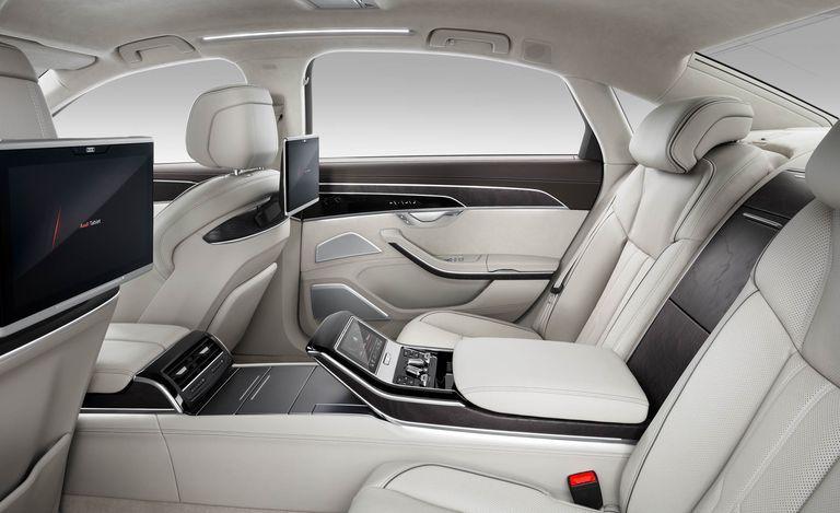 سياره اودي ايه 8 2019 تعتبر السياره من افضل سيارت اودي تتميز السياره بالفخامه من الداخل تتمتع السياره بالعديد من الامكانيات كما تع Audi A8 Black Audi Audi