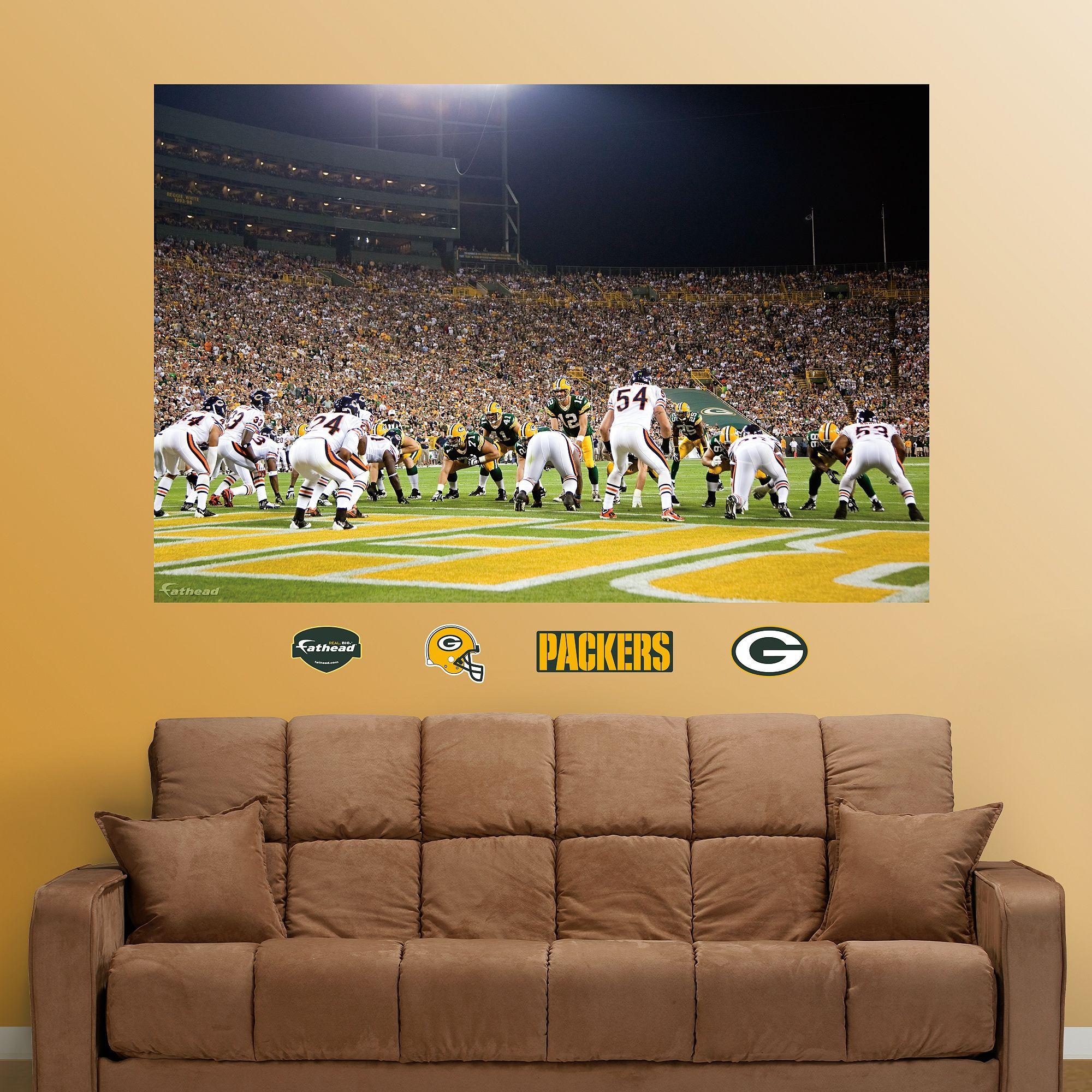 Packers-Bears End Zone Mural | Christmas ideas | Pinterest ...