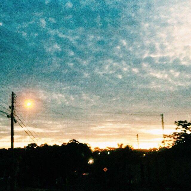 www.letmoraes.wordpress.com Últimos segundos de sol  #sunset #amanhaesexta #goiania #goiasemais