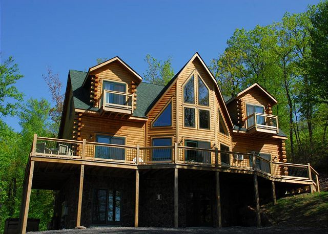 TaylorMade Deep Creek Vacations Cozy Bear Chalet Dreaming of