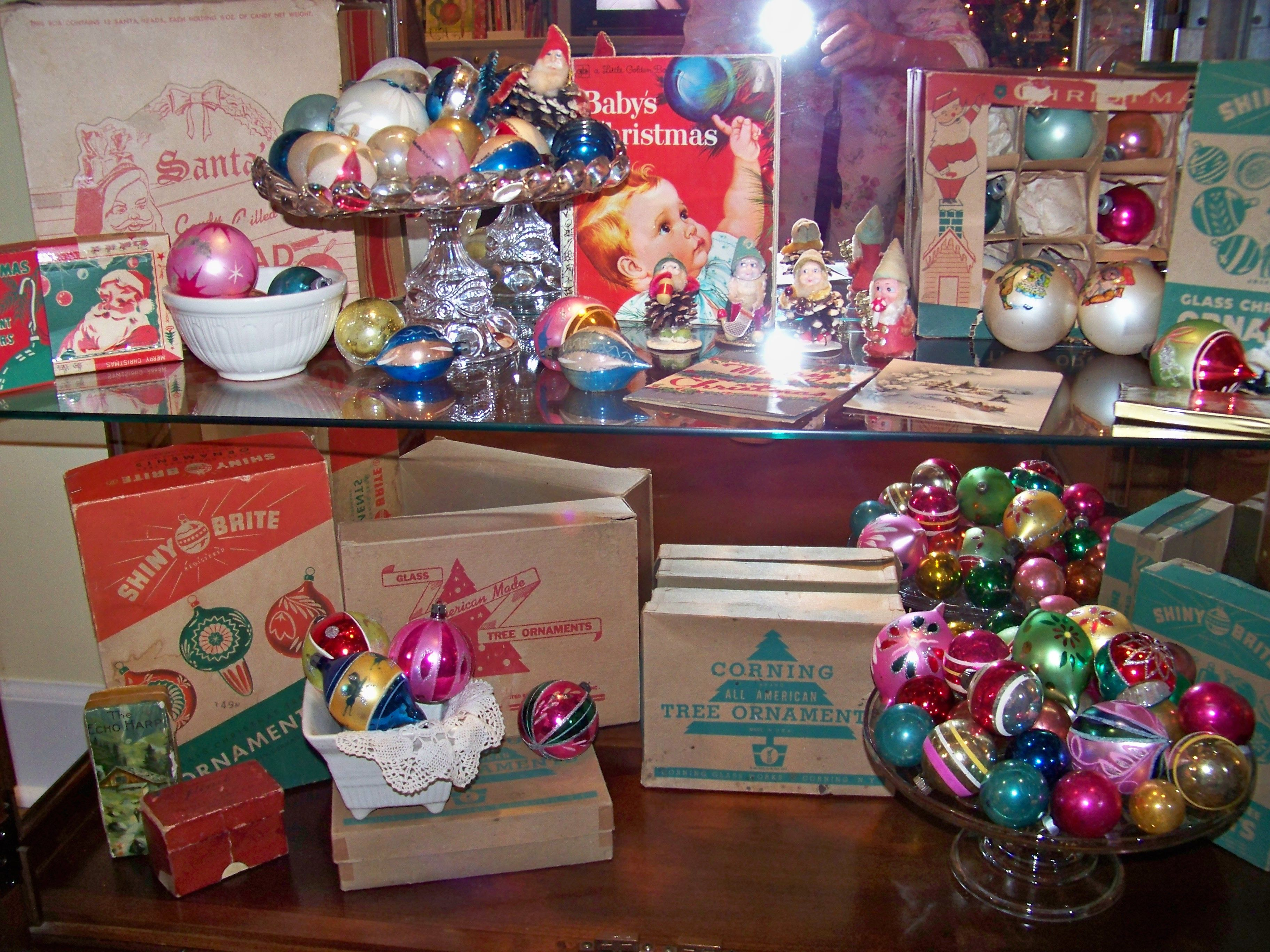 more vintage christmas ornaments. Love the boxes too!