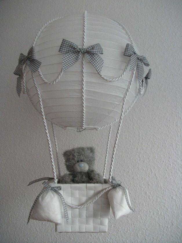 Lampen Heissluftballon Grau Weiss Ein Designerstuck Von Lichtiger Bei Dawanda Heissluftballon Heissluftballon Basteln Ballon Lampe