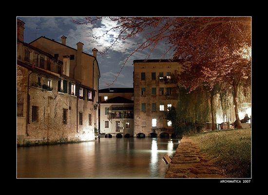 TREVISO - Ponte San Francesco - photography by Renzo Bonan